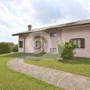 Villa pluricamere in vendita a Artegna