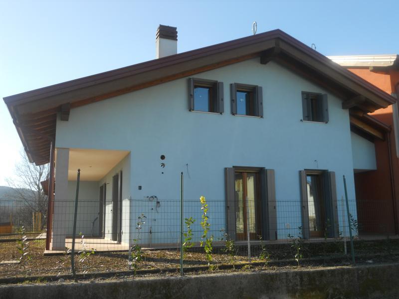 Casa quadricamere in vendita a Farra d'Isonzo - Casa quadricamere in vendita a Farra d'Isonzo