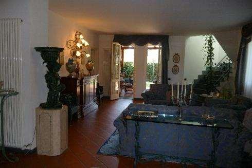 Villa plurilocale in vendita a lucca - Villa plurilocale in vendita a lucca