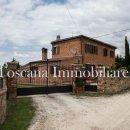 Rustico / casale plurilocale in vendita a Torrita di Siena