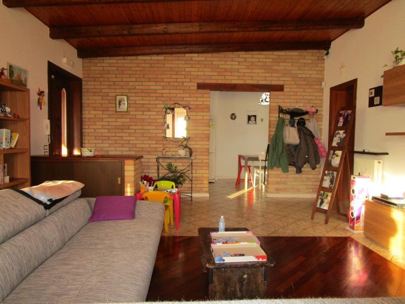Casa bicamere in vendita a osoppo osoppo ampia casa con for Planimetrie con stanze segrete