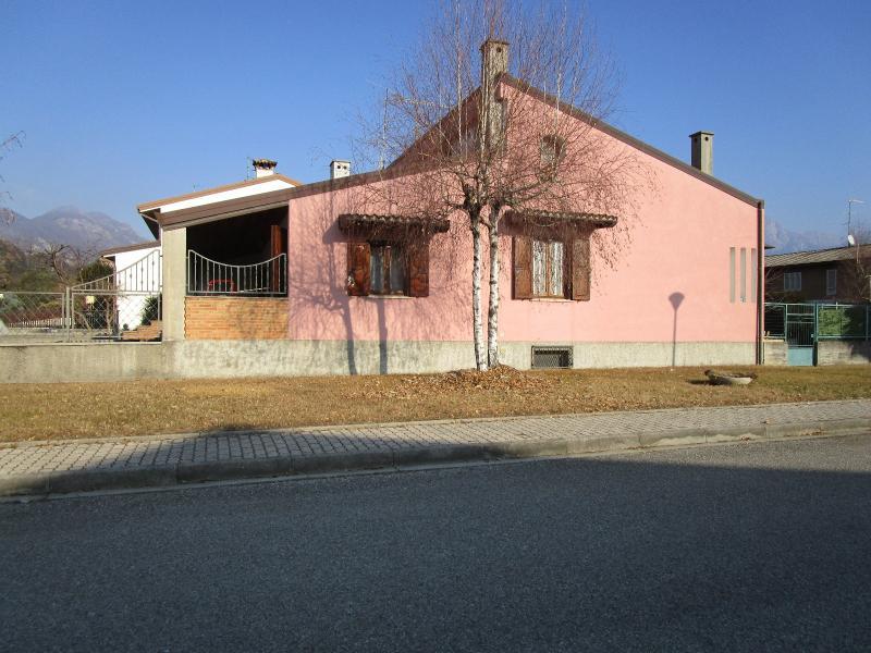 casa bicamere in vendita a osoppo osoppo ampia casa con