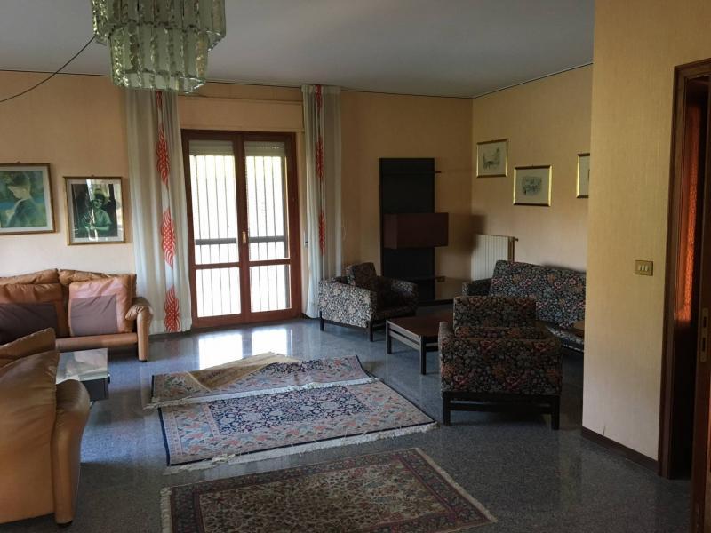 Villa indipendente plurilocale in vendita a Catanzaro - Villa indipendente plurilocale in vendita a Catanzaro