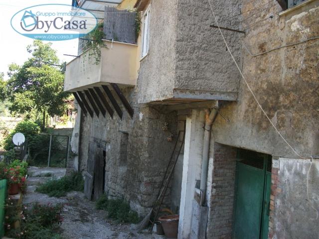 Magazzino-laboratorio monolocale in vendita a Bassano Romano - Magazzino-laboratorio monolocale in vendita a Bassano Romano