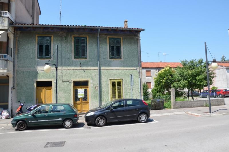 Stabile intero pluricamere in vendita a Staranzano - Stabile intero pluricamere in vendita a Staranzano