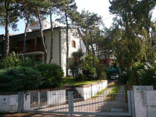 Lignano Pineta esterno villa - Villa bicamere in vendita a Lignano pineta