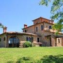 Rustico / casale plurilocale in vendita a Castiglione del Lago