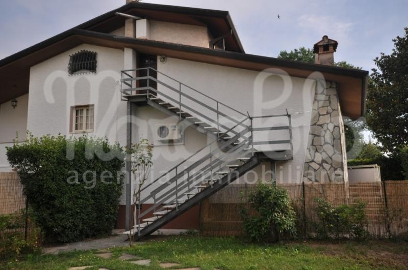 Appartamento trilocale in affitto a Forte dei Marmi - Appartamento trilocale in affitto a Forte dei Marmi