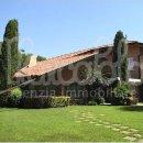Villa indipendente plurilocale in affitto a Camaiore