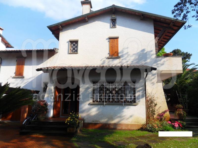 Villa plurilocale in affitto a Forte dei Marmi - Villa plurilocale in affitto a Forte dei Marmi