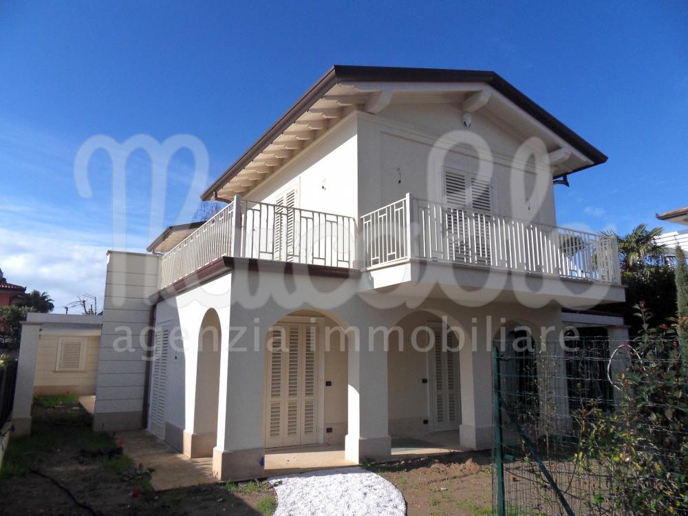 Villa plurilocale in vendita a Forte dei Marmi - Villa plurilocale in vendita a Forte dei Marmi