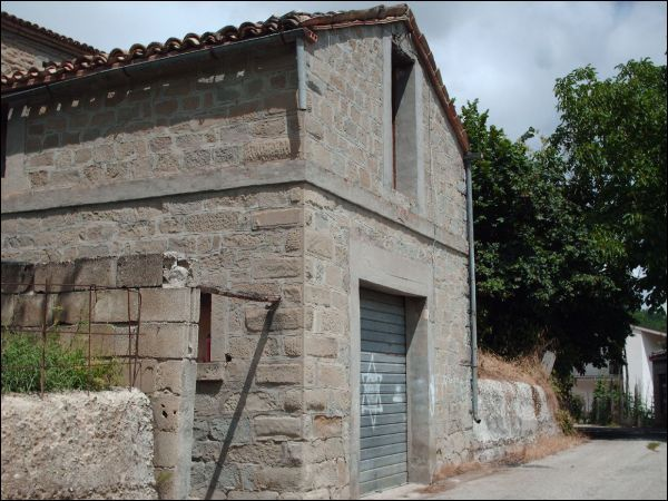 Rustico / casale in vendita a Valle Castellana - Rustico / casale in vendita a Valle Castellana
