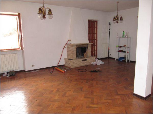Villa in vendita a Acquasanta Terme - Villa in vendita a Acquasanta Terme