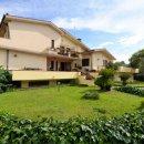 Villa indipendente plurilocale in vendita a Lecce