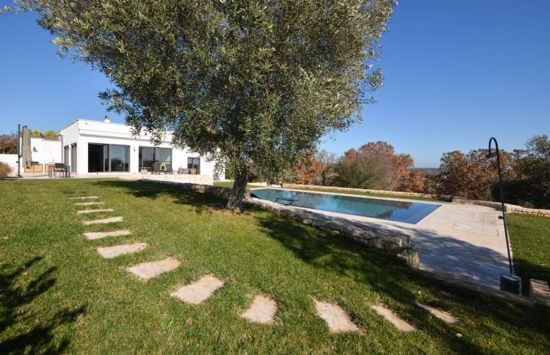 Villa indipendente plurilocale in vendita a Ostuni - Villa indipendente plurilocale in vendita a Ostuni