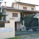Villa indipendente plurilocale in vendita a Appignano del Tronto