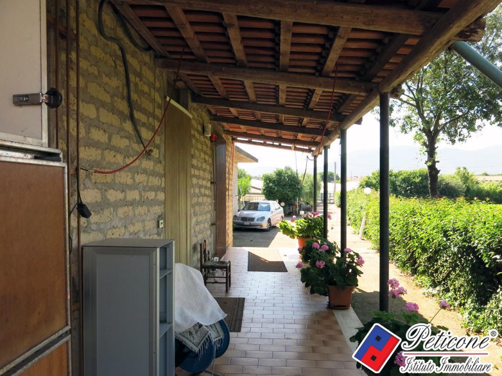 Villa trilocale in vendita a Fondi - Villa trilocale in vendita a Fondi