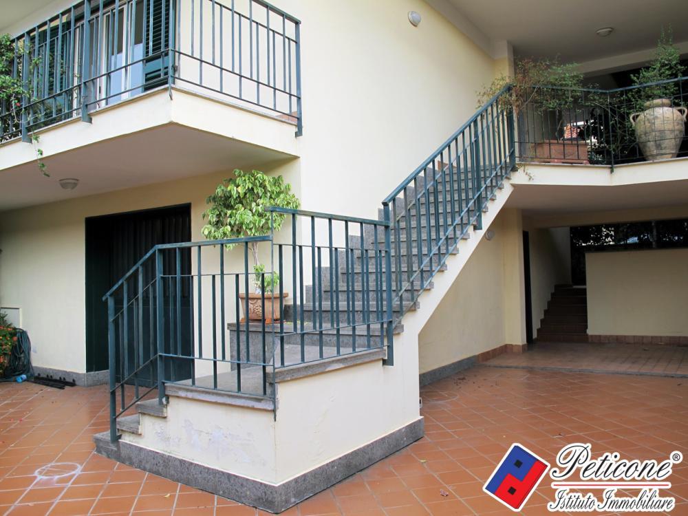 Villa plurilocale in vendita a Lenola - Villa plurilocale in vendita a Lenola