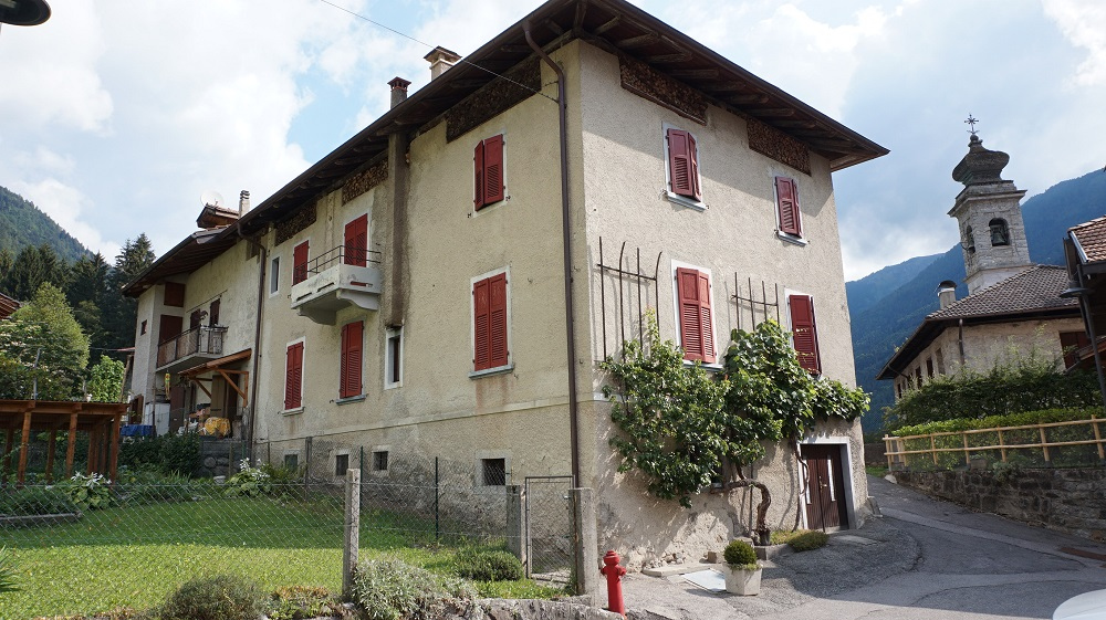 Casa plurilocale in vendita a Pelugo - Casa plurilocale in vendita a Pelugo