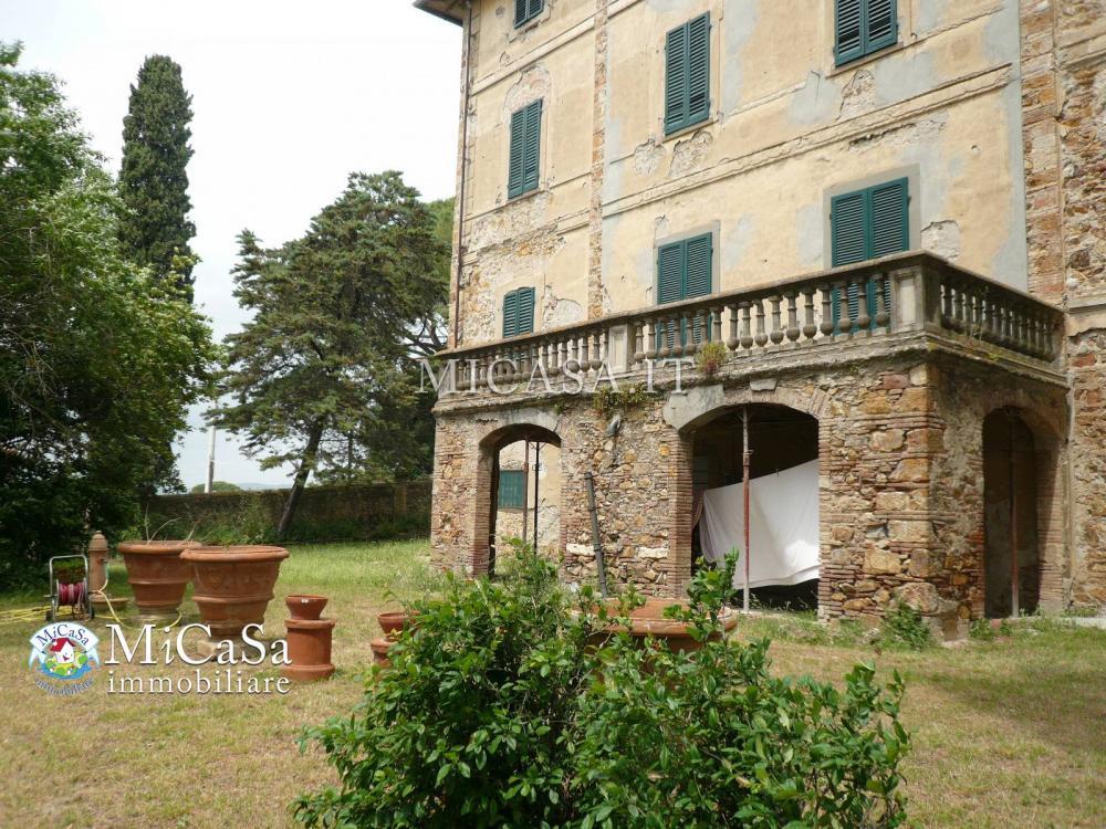 Villa indipendente plurilocale in vendita a Campiglia Marittima - Villa indipendente plurilocale in vendita a Campiglia Marittima