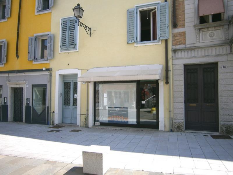Negozio in vendita a Gradisca d'Isonzo - Negozio in vendita a Gradisca d'Isonzo