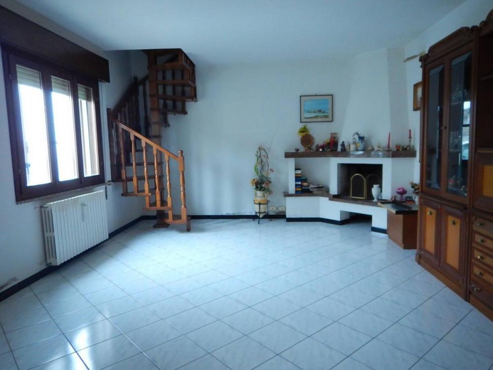 Casa plurilocale in vendita a Ostellato - Casa plurilocale in vendita a Ostellato