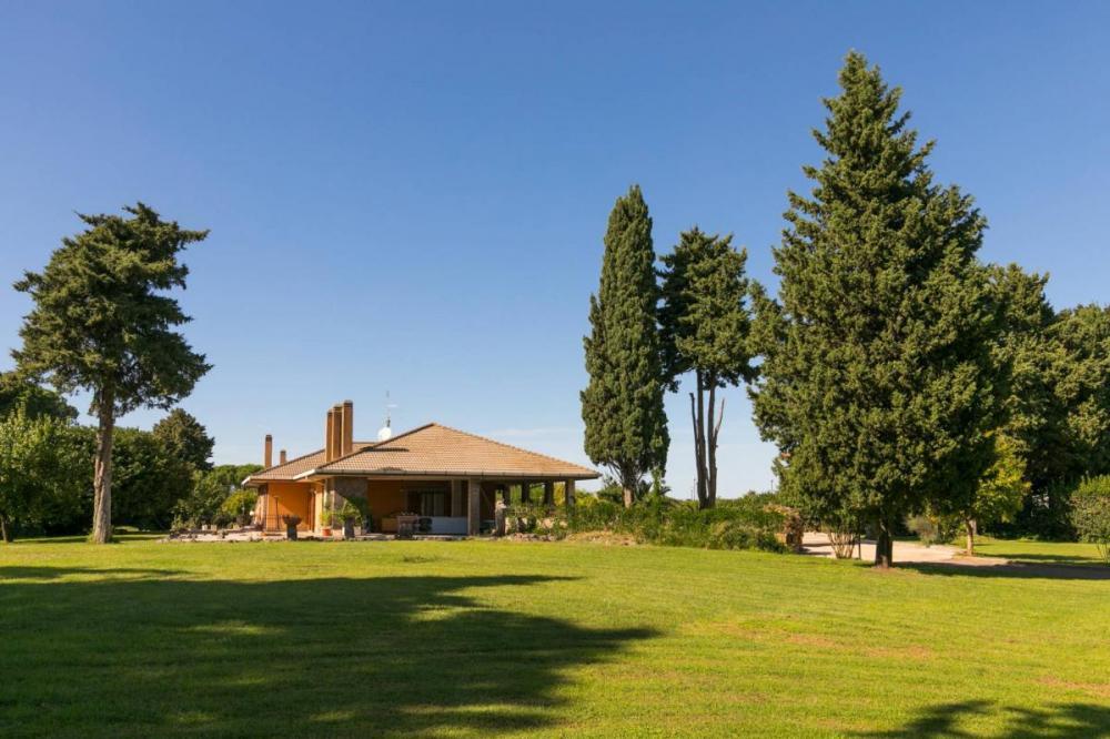Villa indipendente plurilocale in affitto a Roma - Villa indipendente plurilocale in affitto a Roma