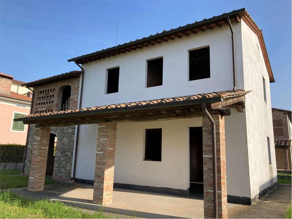 Villa plurilocale in vendita a San colombano - Villa plurilocale in vendita a San colombano