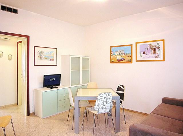 Soggiorno - Appartamento trilocale in affitto a Bibione