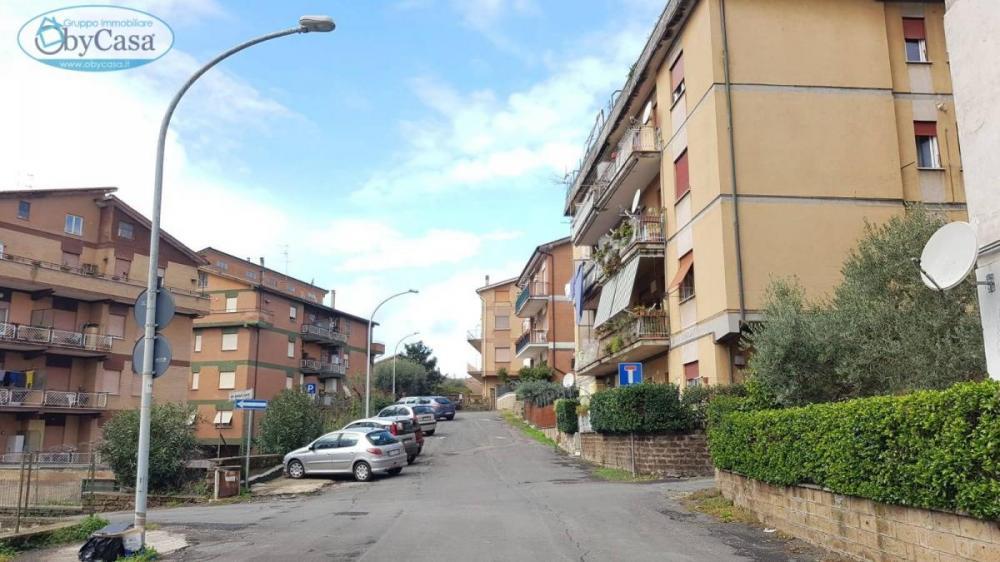 Appartamento trilocale in vendita a Capranica - Appartamento trilocale in vendita a Capranica