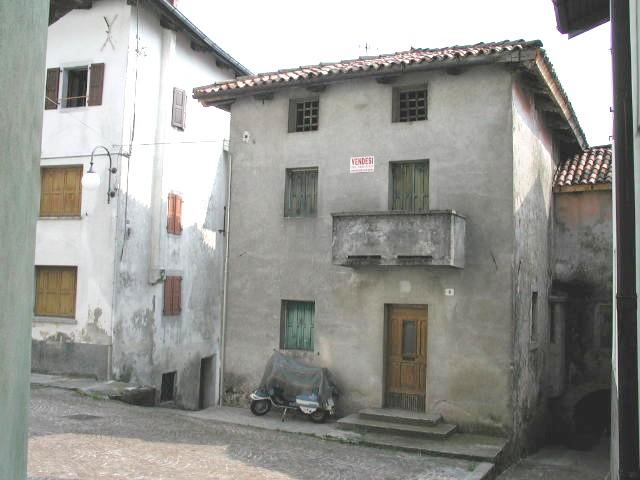 Casa tricamere in vendita a Tausia - Casa tricamere in vendita a Tausia