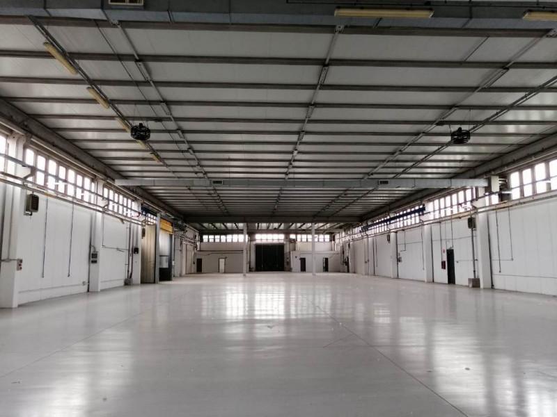 Magazzino-laboratorio quadrilocale in affitto a buccinasco - Magazzino-laboratorio quadrilocale in affitto a buccinasco