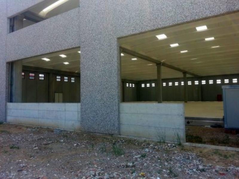 Magazzino-laboratorio quadrilocale in affitto a trezzano-rosa - Magazzino-laboratorio quadrilocale in affitto a trezzano-rosa
