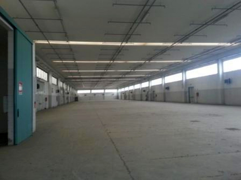 Magazzino-laboratorio quadrilocale in vendita a casalmaiocco - Magazzino-laboratorio quadrilocale in vendita a casalmaiocco