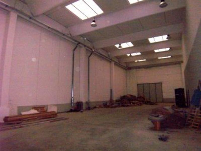 Magazzino-laboratorio quadrilocale in vendita a peschiera-borromeo - Magazzino-laboratorio quadrilocale in vendita a peschiera-borromeo
