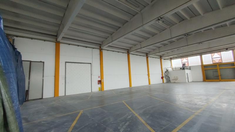 Magazzino-laboratorio quadrilocale in vendita a siziano - Magazzino-laboratorio quadrilocale in vendita a siziano