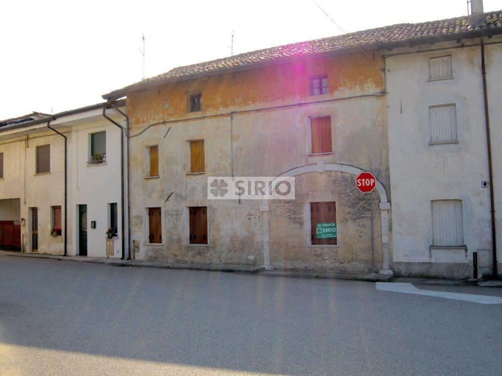 Rustico / casale quadrilocale in vendita a Porpetto - Rustico / casale quadrilocale in vendita a Porpetto