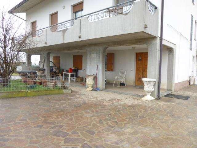 Casa plurilocale in vendita a Sant'andrea - Casa plurilocale in vendita a Sant'andrea