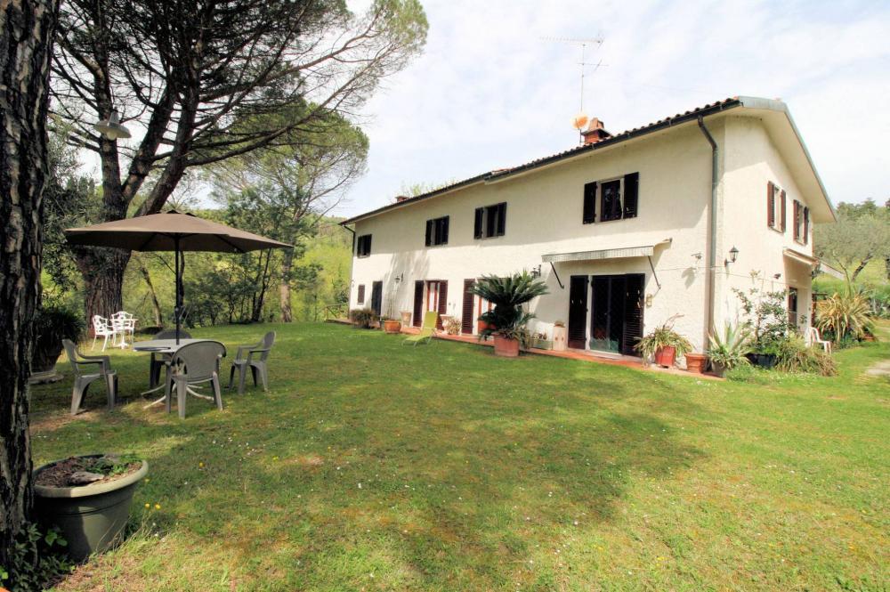 Rustico / casale plurilocale in vendita a Monsummano Terme - Rustico / casale plurilocale in vendita a Monsummano Terme