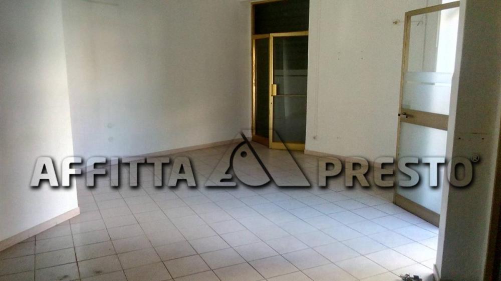Azienda commerciale in affitto a Livorno - Azienda commerciale in affitto a Livorno