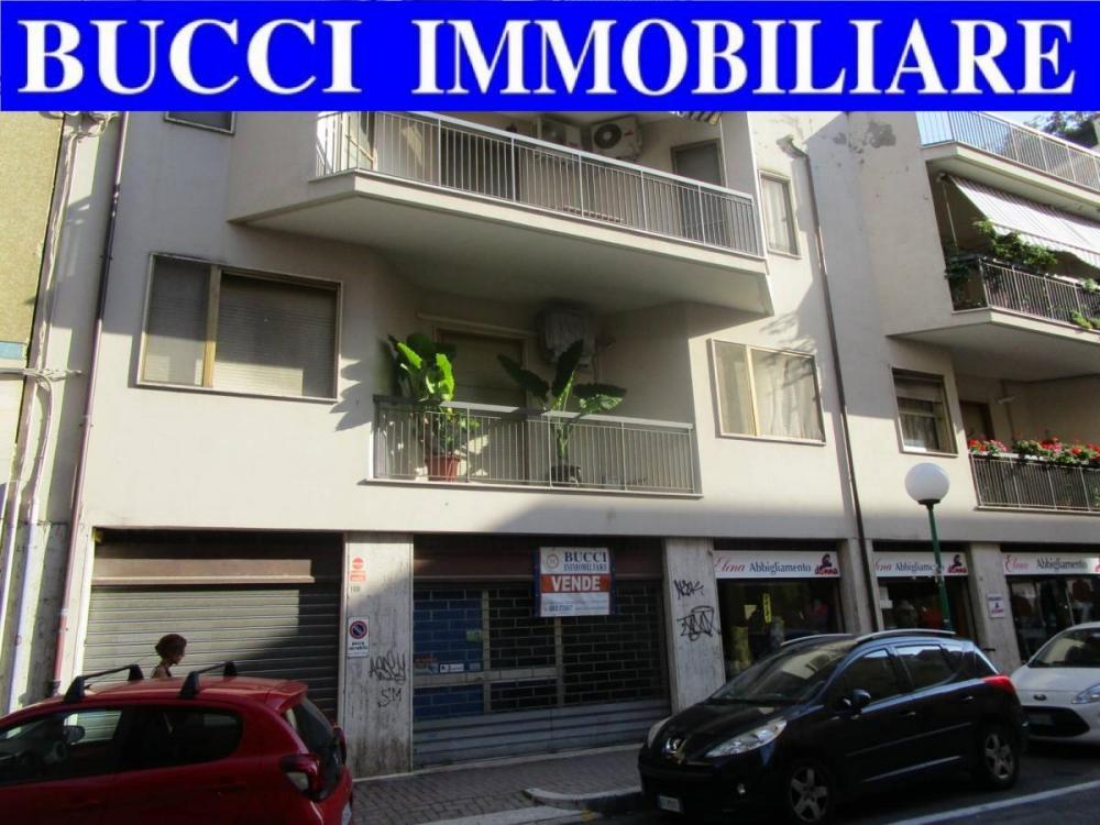 Spazio commerciale in vendita a Pescara - Spazio commerciale in vendita a Pescara
