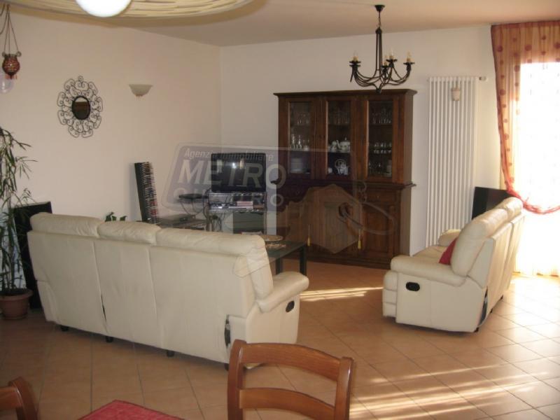Appartamento plurilocale in vendita a Periferia - Appartamento plurilocale in vendita a Periferia