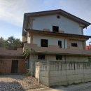 Villa plurilocale in vendita a Teramo