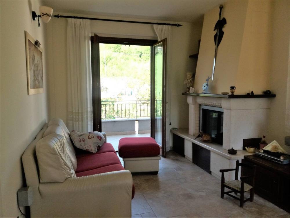 Appartamento plurilocale in vendita a Roccafluvione - Appartamento plurilocale in vendita a Roccafluvione