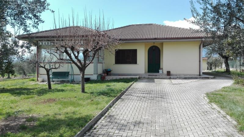 Villa plurilocale in vendita a Nereto - Villa plurilocale in vendita a Nereto