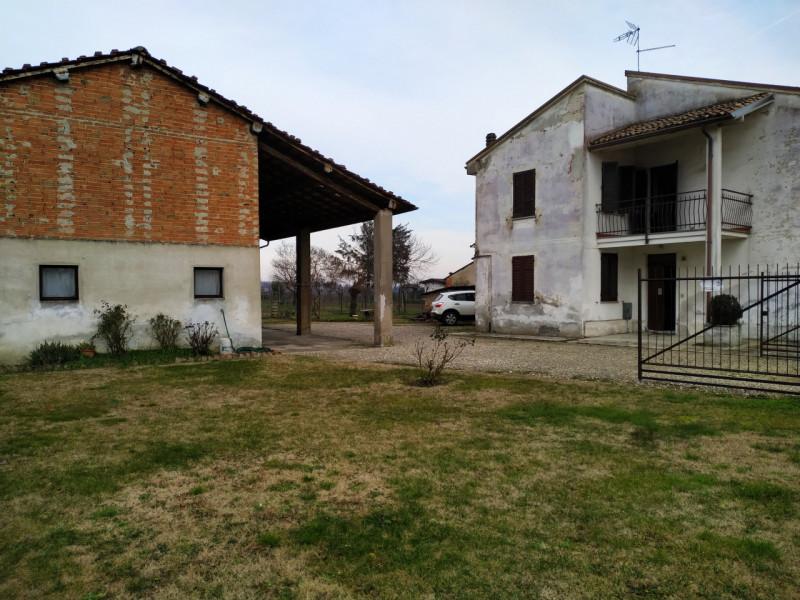 Casa quadrilocale in vendita a bressana-bottarone - Casa quadrilocale in vendita a bressana-bottarone