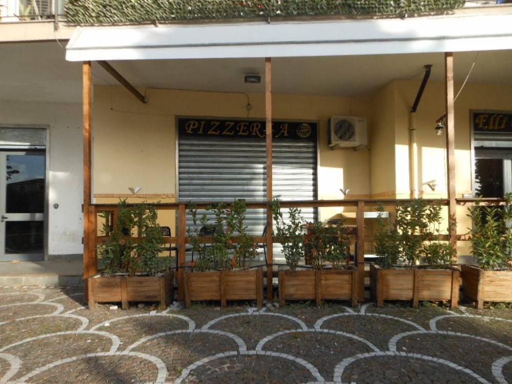 ef928244eed88aad5b58531a15f817d7 - Negozio monolocale in vendita a Caianello