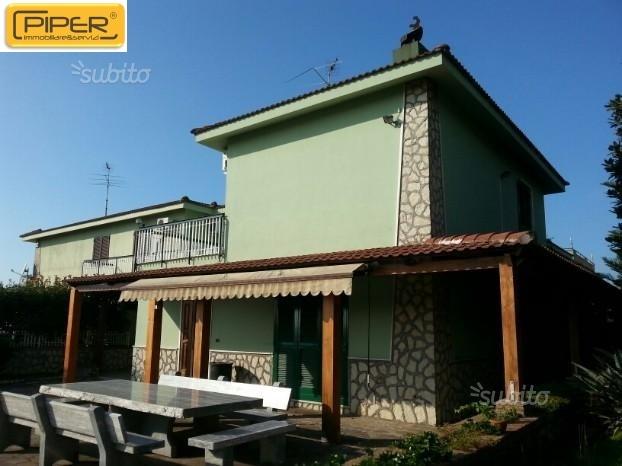 Villa monolocale in vendita a Giugliano in Campania