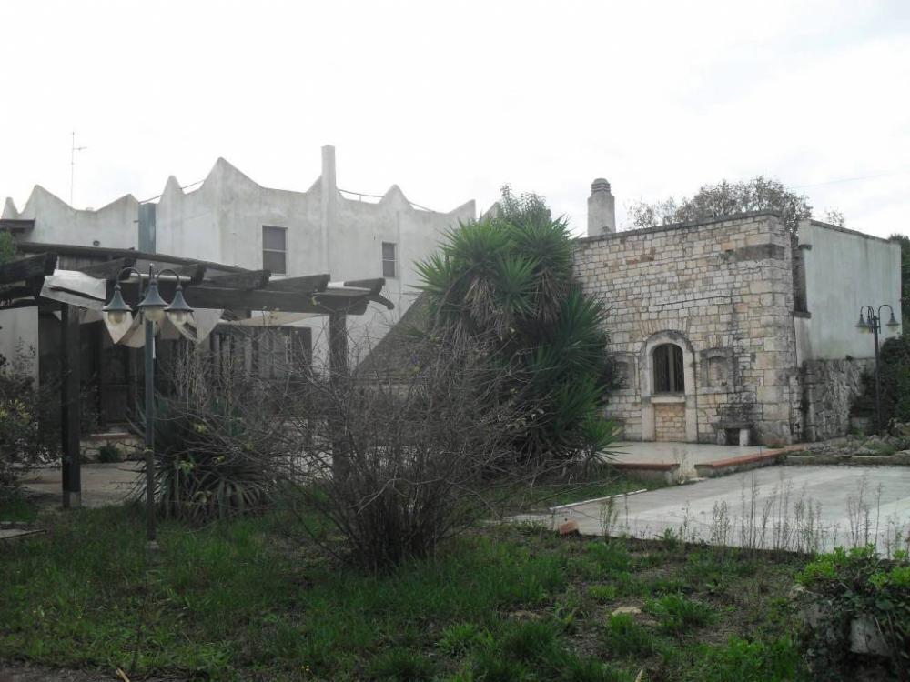 e41ecf7a19da35e774a193244a576e28 - Albergo plurilocale in vendita a Castellana Grotte