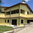 Villa indipendente plurilocale in vendita a Toffia